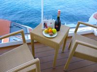 豪華客船客室のウェルカムドリンクとウェルカムフルーツ