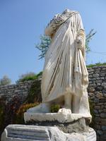 エフェソス遺跡の彫像 10131037497  写真素材・ストックフォト・画像・イラスト素材 アマナイメージズ