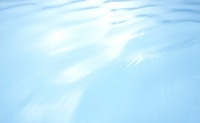 青色の波立った水面 10132107193  写真素材・ストックフォト・画像・イラスト素材 アマナイメージズ