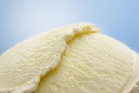 重なるバニラのアイスクリーム 10132108312| 写真素材・ストックフォト・画像・イラスト素材|アマナイメージズ