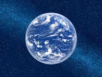 天の川と大気に覆われた地球