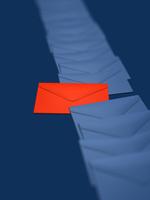 置かれた封筒 10143004354| 写真素材・ストックフォト・画像・イラスト素材|アマナイメージズ