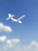 飛ぶ紙飛行機 10143004396| 写真素材・ストックフォト・画像・イラスト素材|アマナイメージズ