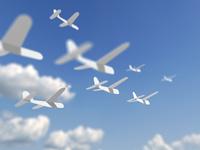 飛ぶ紙飛行機
