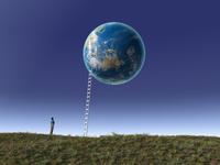 浮かぶ地球とハシゴを眺める一人の男性 10143009933| 写真素材・ストックフォト・画像・イラスト素材|アマナイメージズ