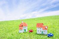 家と車のクラフト 10146003239| 写真素材・ストックフォト・画像・イラスト素材|アマナイメージズ