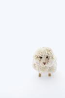 白バックの羊のクラフト