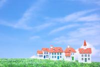 青空の下の家のクラフト 10146003676| 写真素材・ストックフォト・画像・イラスト素材|アマナイメージズ