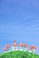 青空の下の家のクラフト