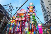湘南ひらつか七夕まつり 10146004279| 写真素材・ストックフォト・画像・イラスト素材|アマナイメージズ