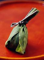 笹だんご 新潟産 10158001155| 写真素材・ストックフォト・画像・イラスト素材|アマナイメージズ