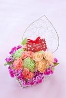 カーネーションの花かごとメッセージカード