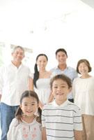 家族6人のポートレート