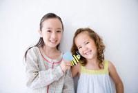 笑顔の女の子二人のポートレート