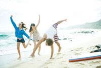 海岸の若者たち