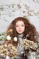 花や植物と女の子