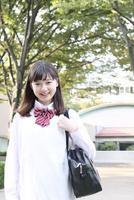 笑顔の高校生ポートレート
