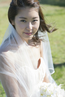 20代女性花嫁 10161017411  写真素材・ストックフォト・画像・イラスト素材 アマナイメージズ