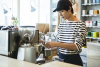 20代男性カフェ店員