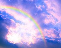 虹と陽光 10168000252| 写真素材・ストックフォト・画像・イラスト素材|アマナイメージズ