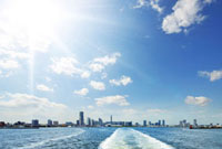 観光船から見るみなとみらい21風景 10168000559| 写真素材・ストックフォト・画像・イラスト素材|アマナイメージズ