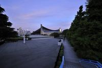早朝の国立代々木競技場第一体育館