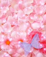 ピンクの花びらと蝶と宝石のコラージュ