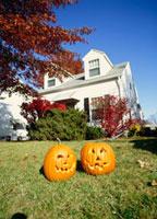 ハロウィンのカボチャと家