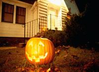 ハロウィン 火を灯したかぼちゃ