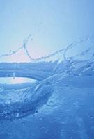水の王冠 10179004595| 写真素材・ストックフォト・画像・イラスト素材|アマナイメージズ
