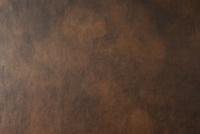 茶色のムラ塗りされた革素材