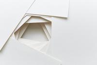 積み上げられたカード 10179009198| 写真素材・ストックフォト・画像・イラスト素材|アマナイメージズ