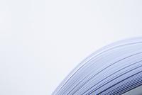 重なった白いコピー用紙 10179009318  写真素材・ストックフォト・画像・イラスト素材 アマナイメージズ