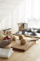 キッチンでの調理風景