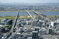 淀川と大阪市街