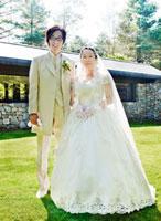 結婚式の新郎新婦 記念写真