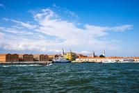 運河からヴェネツィア都市風景 10222008843| 写真素材・ストックフォト・画像・イラスト素材|アマナイメージズ