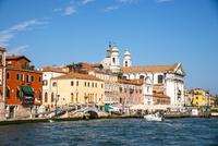 運河からヴェネツィア都市風景 10222008849| 写真素材・ストックフォト・画像・イラスト素材|アマナイメージズ