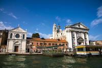 運河からヴェネツィア都市風景 10222008850| 写真素材・ストックフォト・画像・イラスト素材|アマナイメージズ