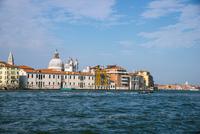 運河からヴェネツィア都市風景 10222008996| 写真素材・ストックフォト・画像・イラスト素材|アマナイメージズ