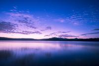 明ける夏の星空と十和田湖