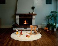 暖炉とおもちゃ