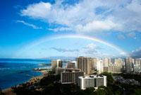 青い空と青い海と虹 10241000206| 写真素材・ストックフォト・画像・イラスト素材|アマナイメージズ