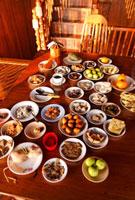 朝食が並ぶテーブル