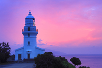 屋久島灯台と夕焼け 10247008851| 写真素材・ストックフォト・画像・イラスト素材|アマナイメージズ