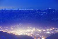 南アルプスと富士山と駒ヶ根市街の夜景