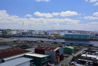安治川工場地帯 10254014535| 写真素材・ストックフォト・画像・イラスト素材|アマナイメージズ