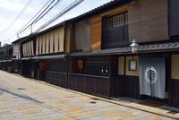 祇園新橋 10254014613| 写真素材・ストックフォト・画像・イラスト素材|アマナイメージズ