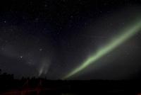 オーロラと流れ星