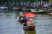 潮来あやめ祭り会場のろ舟と嫁入り舟